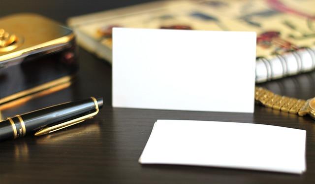 Zdjęcie główne #1300 - Jak poprawić wygląd zwykłej wizytówki? Najpopularniejsze rodzaje uszlachetnień