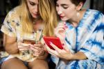 Opinie rodziny i znajomych są najważniejsze przy podejmowaniu tzw. niecodziennych decyzji zakupowych