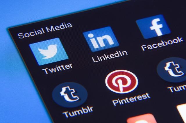 Zdjęcie główne #1545 - Najważniejsze zasady stosowania przycisków social media na stronie internetowej firmy