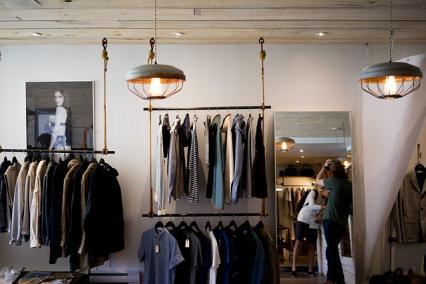 Zdjęcie główne #1553 - Masz sklep odzieżowy online? Sprawdź, jak zachęcić klientów do kupowania